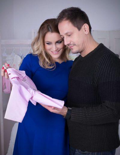 Som-Balogh Edina és férje a Trimexbaby baba ruháival